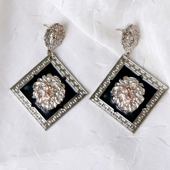 Chunky silver black squared lions pendant earrings